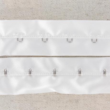 Agrafe sur bande satin 30mm blanc